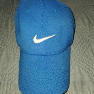 Nike Men's  Royal Blue OSFM Golf Hat Excellent Con